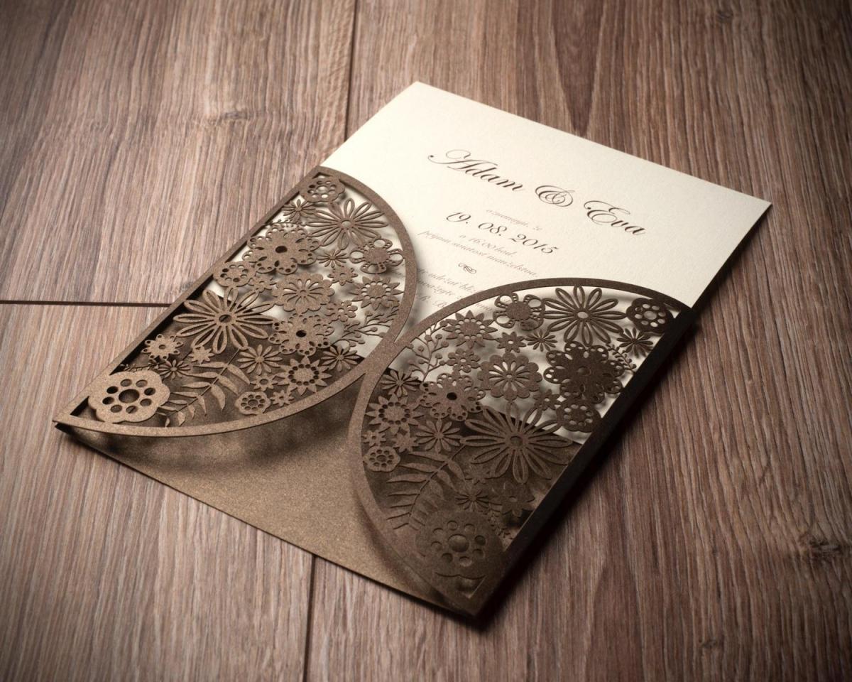 rezanie čipiek na svadobné oznámenia