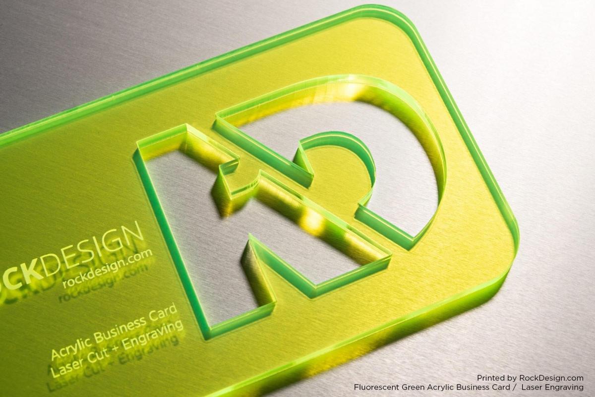 Priehľadné plastové vizitky rezané laserom